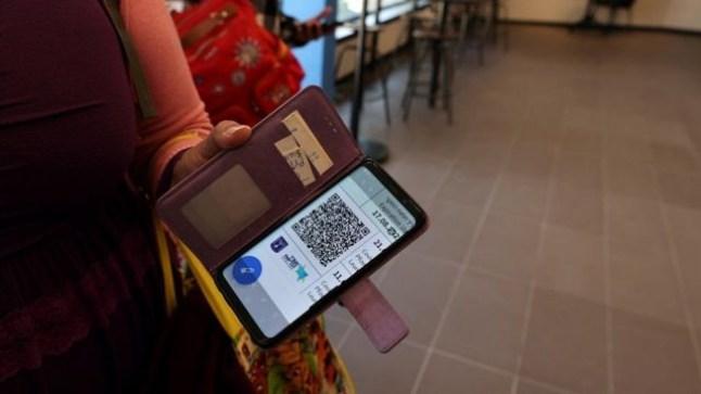 المغرب يعتمد جواز كورونا الإلكتروني للأشخاص الذين تلقوا جرعتين من اللقاح