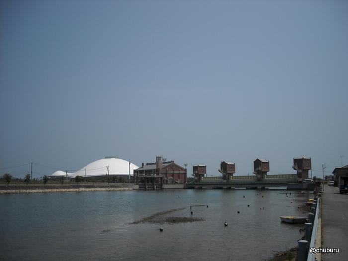 井関川防潮水門