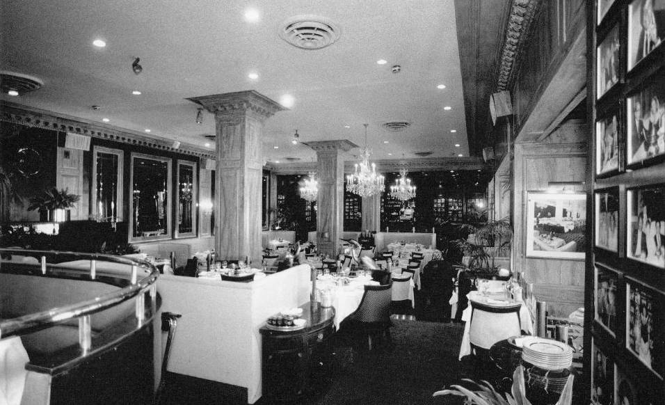 PHOTO  CHICAGO  AMBASSADOR EAST HOTEL  THE PUMP ROOM  AFTER RENOVATIONS  1988  CHUCKMANS
