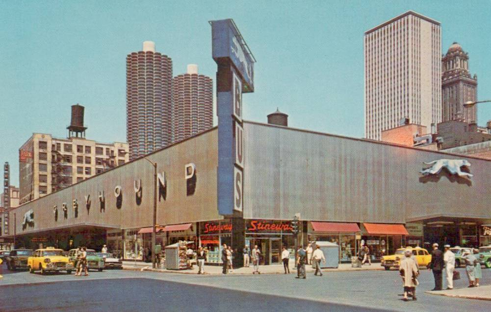 POSTCARD CHICAGO GREYHOUND BUS STATION FROM CORNER