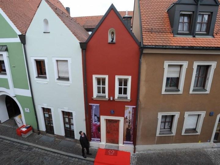 Smallest-Hotel