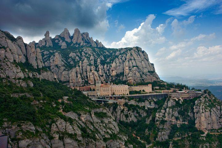 complex-Montserrat