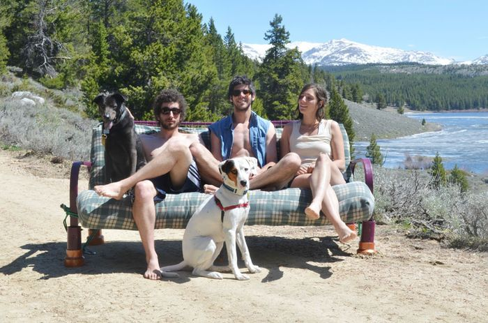 three-friends-two-dogs-one-futon-roadtrip-photos-14_result