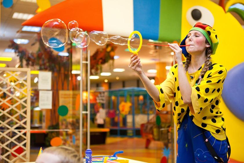 Шоу пузырей, клоун на детском празднике