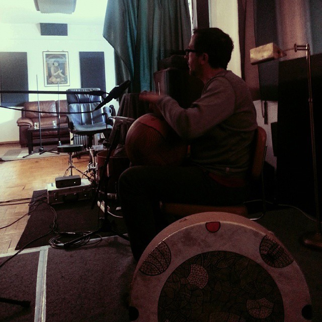 #yogamantras at the studio in #Lisbon / ANANDA sessions // #thecompanysound http://ift.tt/1AAT7DX
