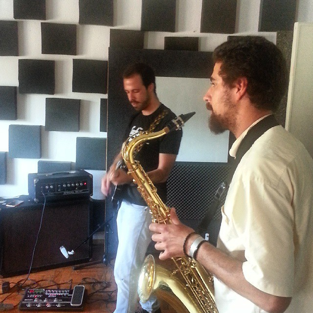 Os Capetas soundcheck // #thecompanysound // #Lisboa / http://ift.tt/1MdOBTr