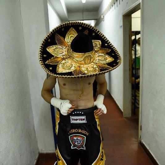 "Pedro ""Number One"" Matos, na entrada para a sua 2a vitória profissional / #boxinglisboa / #estrelas / #boxe / #boxinghistory / #cultura / #boxing / #Portugal by boxinglisboa"