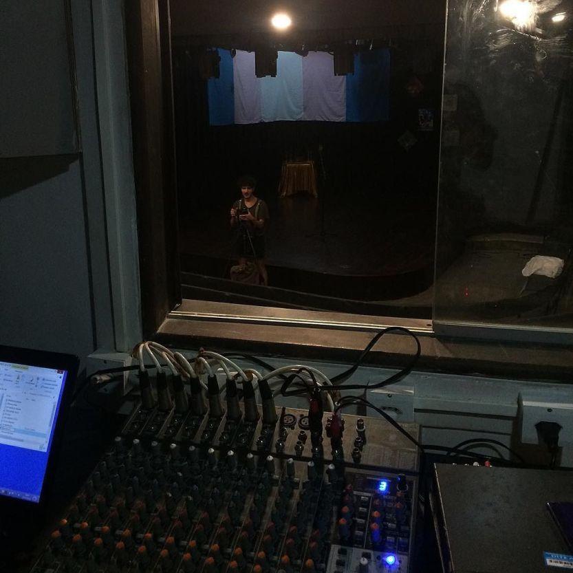 Já, já tem Transhow. Às 19h30, no Teatro de Arena, anexo ao Teatro Deodoro. 💎✨ by alfredompontes http://ift.tt/1Oq2kqU