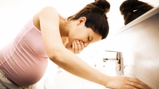 Bà bầu nên tránh căng thẳng khi mang thai