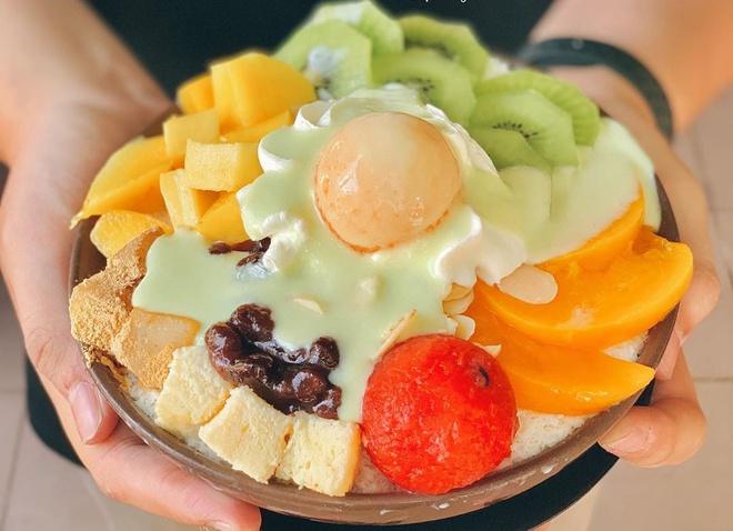 Patbingsu trái cây là một trong những đồ tráng miệng trong chế độ ăn của người Hàn