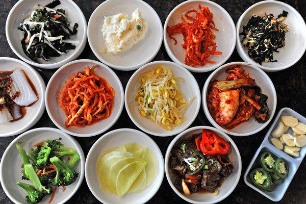 Rau là món phụ không thể thiếu trong chế độ ăn của người Hàn