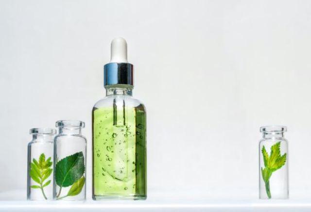 Serum cho da dầu mụn loại nào tốt
