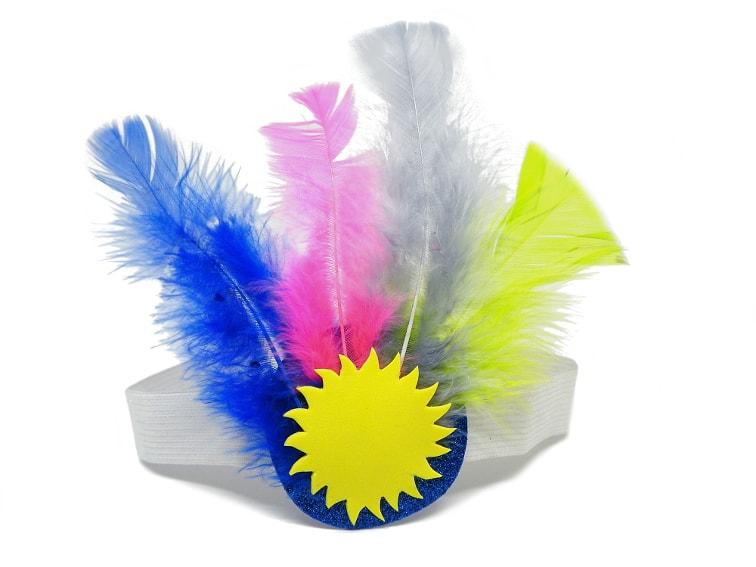 tocado de plumas de colores para el disfraz de carnaval