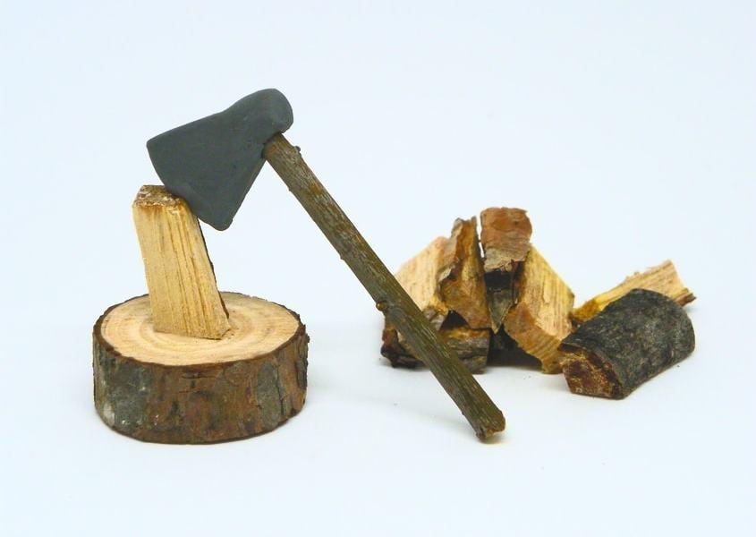 ¿Cómo hacer un hacha de leñador en miniatura con plastilina? Figura decorativa para el Belén