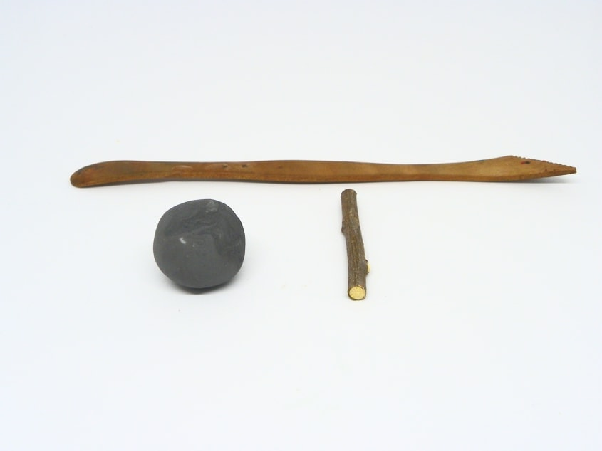 herramienta y plastilina