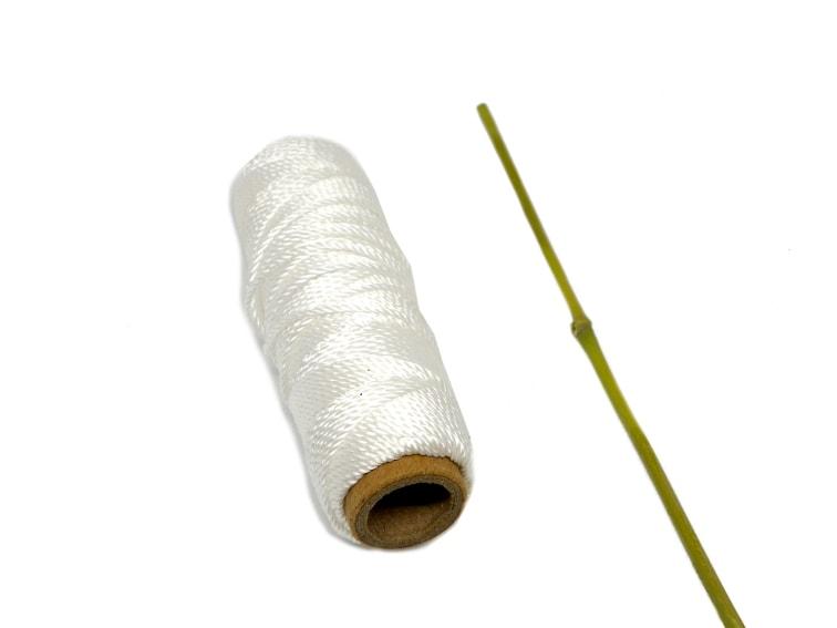 cuerda de nylon y caña de bambu para hacer caña de percar imantada