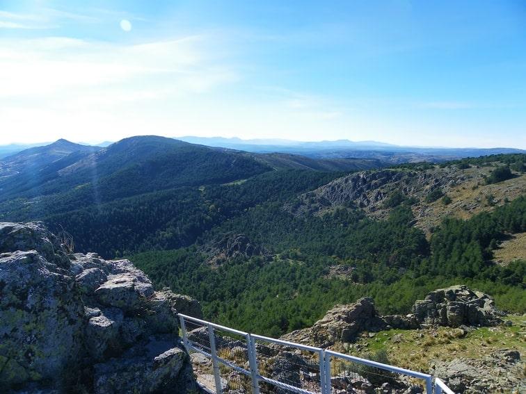 vista del monte abantos desde caseta