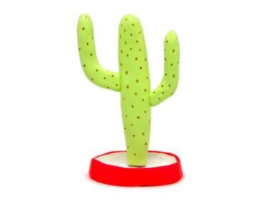 portajoyas con forma de cactus saguaro gigante hecho pasta para modelar