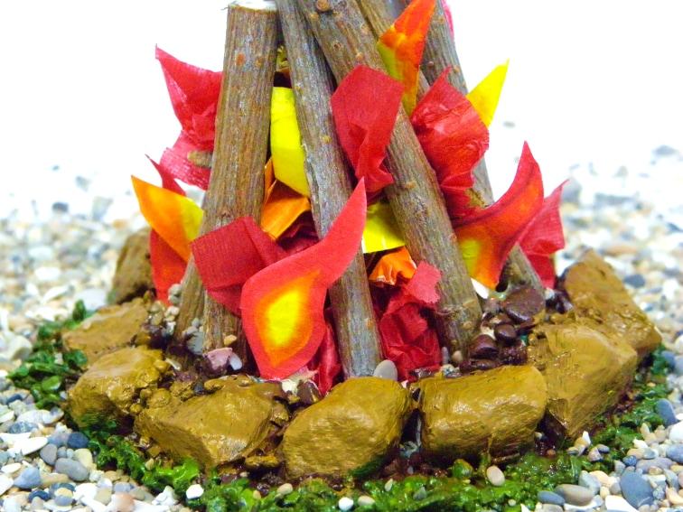 vista de cerca de miniatura decorativa de una hoguera
