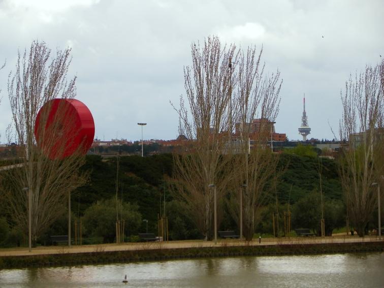 vista de el piruli desde el parque juan carlos I