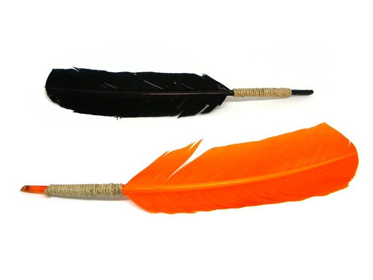 plumas estilograficas hechas con plumas para manualidades de colores