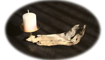palmatoria hecha con madera de deriva difuminada