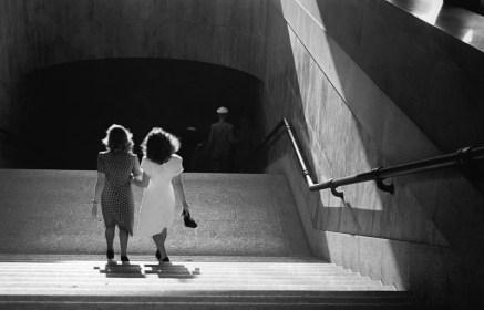 Escadaria da Galeria Prestes Maia. São Paulo, 1946. Foto: Thomaz Farkas/IMS