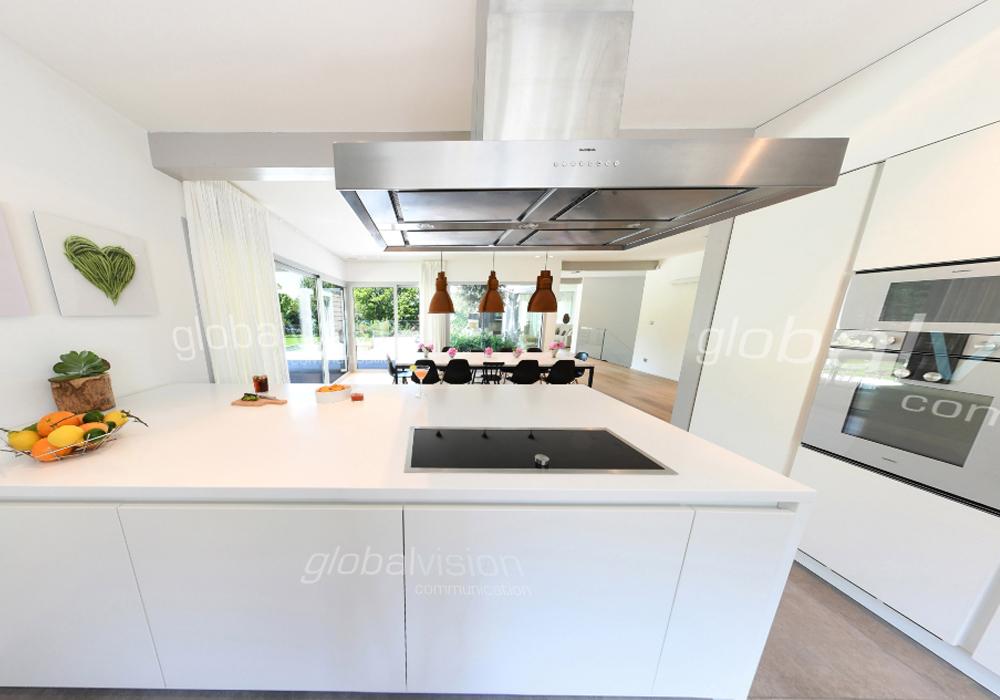 Không gian bếp mở