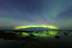 Northern lights at Seal River Heritage Lodge. Ruth Elwell-Steck photo.