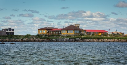 Windy day at Seal River Heritage Lodge. Glenn Bloodworth photo.