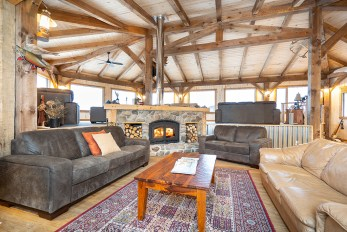 Lounge at Seal River Heritage Lodge. Scott Zielke photo.