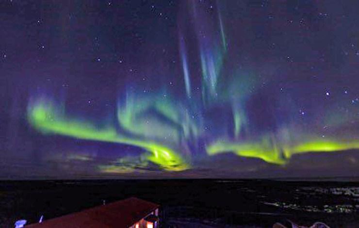 Northern lights at Nanuk. Photo by Churchill Wild guide Boomer Jerritt.