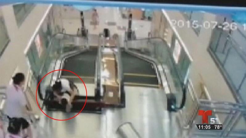 mujer-muere-tragada-por-escalera-portada