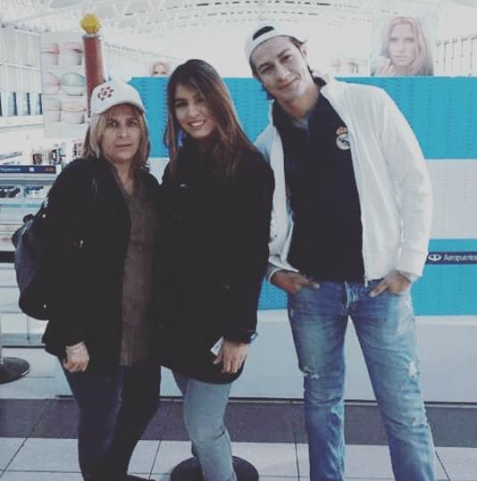 Nancy, Nadia y Ariel.