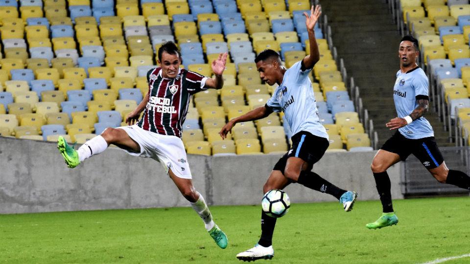 Lucas Barrios Fluminense Grêmio Maracanã