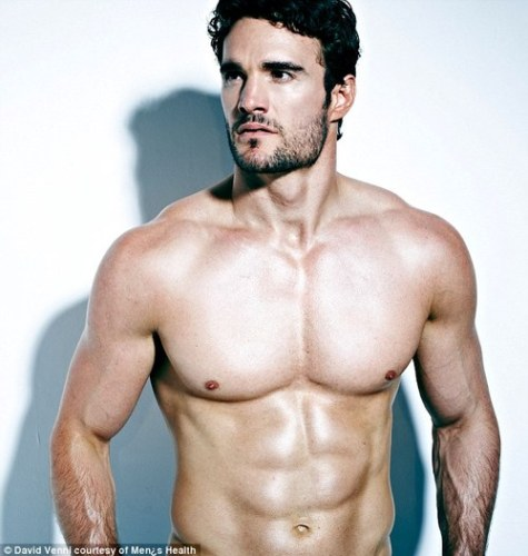 torso_thom-evans-shirtless-mens-health-thumb-500x527-9435