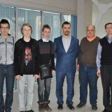 Александр Морозевич с шахматистами из Марий Эл