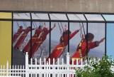 Những người chơi mạo hiểm trên chóp tháp CN
