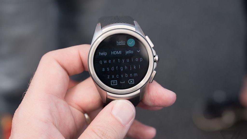 Snapkeys spouští QWERTY klávesnici i pro kulaté Android Wear hodinky