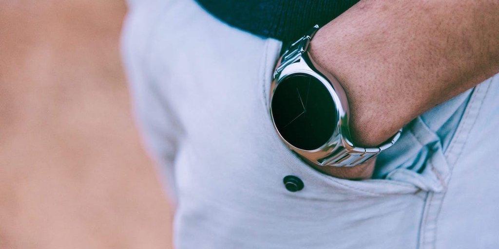 Vynikající nápad: Chytré hodinky, které se tak vůbec netváří