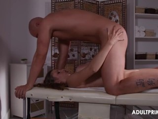 Pampering her Pussy