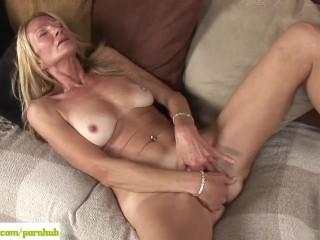 Older Cougar Pam Roberts Fingers Twat