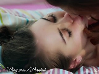 Presley and Riley Reid lick slit
