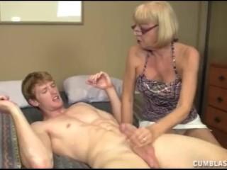 Old Slut Wants A Cumblast