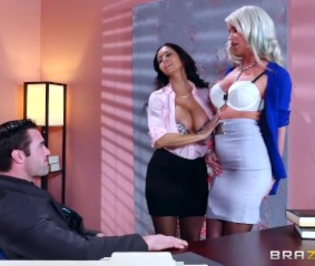 Described Video Sexy Threesome In The Office Brazzers