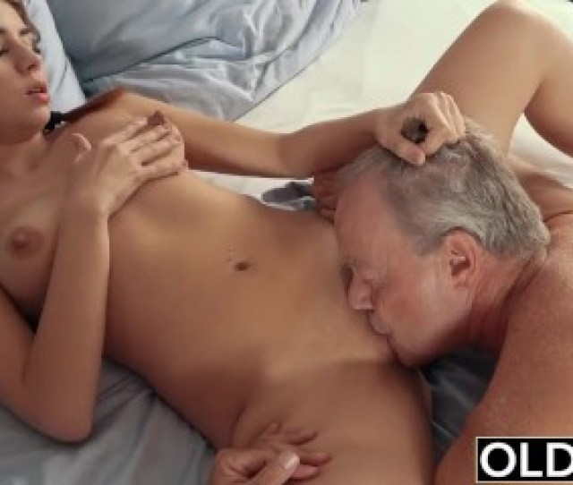 Sexy Teen Lets Dad Finger Her Fuck Her And Swallows His Cum After Sex