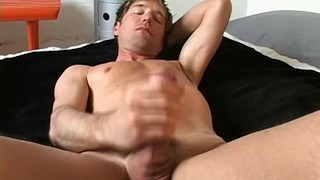 Gay feet wriggler takes socks off when masturbating solo