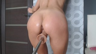 Fucking Machine brought to Female Orgasm & Masturabtion Teen Pussy