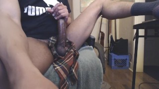 Learoy beating that big black dick and busting a nut on cam.