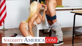 Naughty America- Nikki Delano gets sperm donated by student